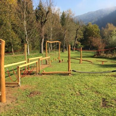 Niederseilgarten und Balancierparcours der OptimaMed Gesundheitstherme Wildbad