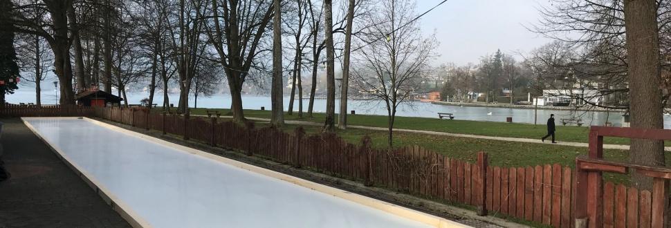 Stockschießen direkt am Ufer des Attersee
