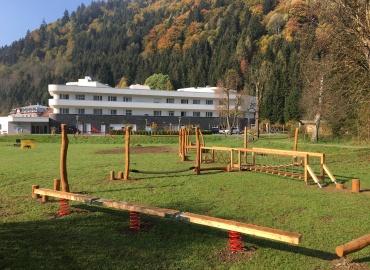Niederseilgarten und Balancierparcours der OptimaM...